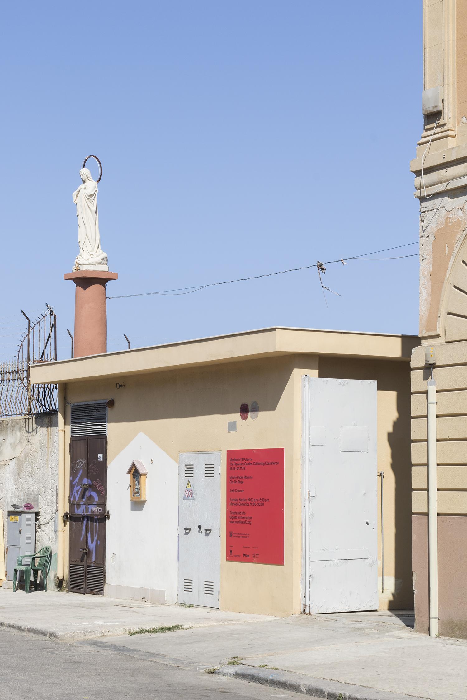 Indgang ved Fondazione di Padre Messina. Foto © I DO ART Agency.