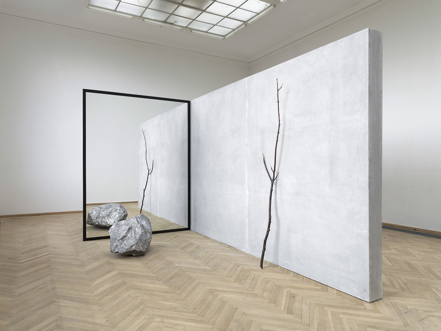 Alicja Kwade, 'Out of Ousia' (2016), 'Parralelwelt (Ast/AntiAst)' (2018). Kunsthal Charlottenborg 2018. Foto: Roman März. Courtesy the artist, KÖNIG GALERIE, 303 GALLERY, kamel mennour. Collection of National Gallery of Australia.
