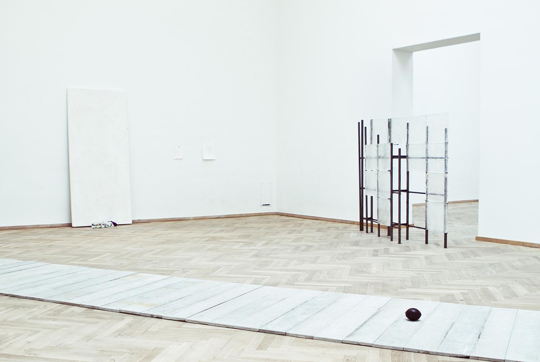 """Sofie Holten, """"Bygningen som dække"""", 2013. Foto: I DO ART Agency."""