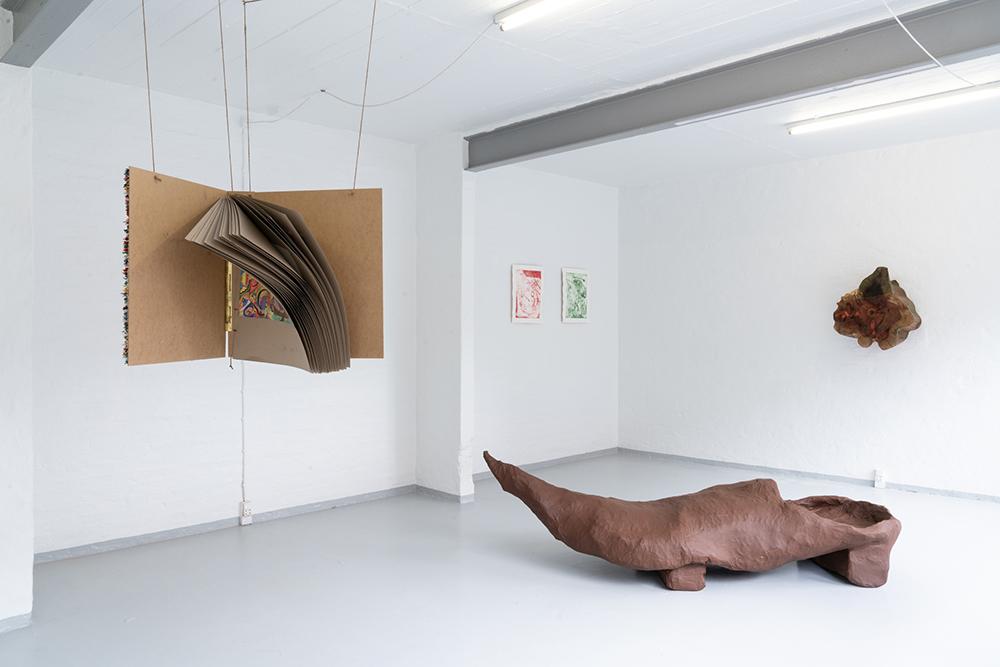 "Mette Rasmussen ""Nissegråd�. Installation view. Foto: Jesper Nørbæk."