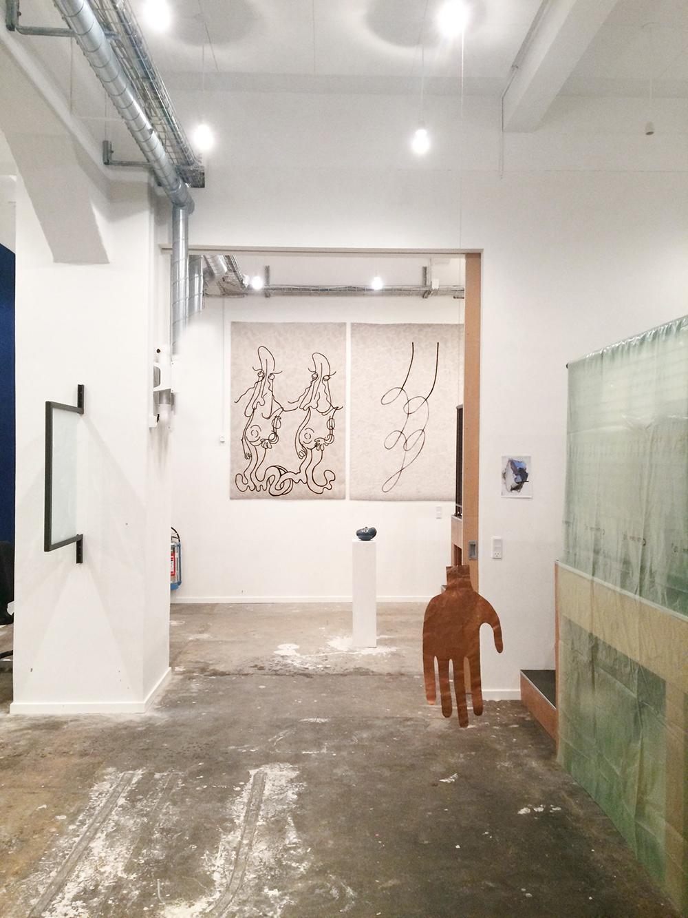 Værker af Martha Hviid og Matilde Duus, som arbejdede i Bikubenfondens atelier i 2017-2018.