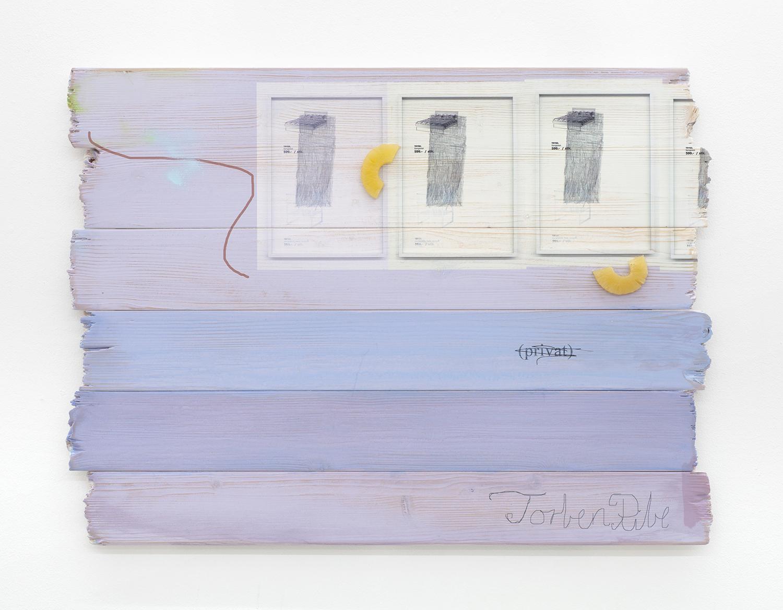 "Torben Ribe ""privat,� 2018 (UV-print på træ, akryl, plastikananas, 80x60 cm). Foto: Torben Ribe."