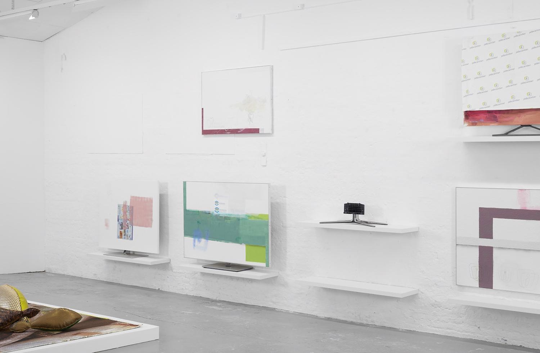 """Maiken Bent & Torben Ribe """"Lagersalg"""" (installation view). Foto: Morten K Jacobsen."""
