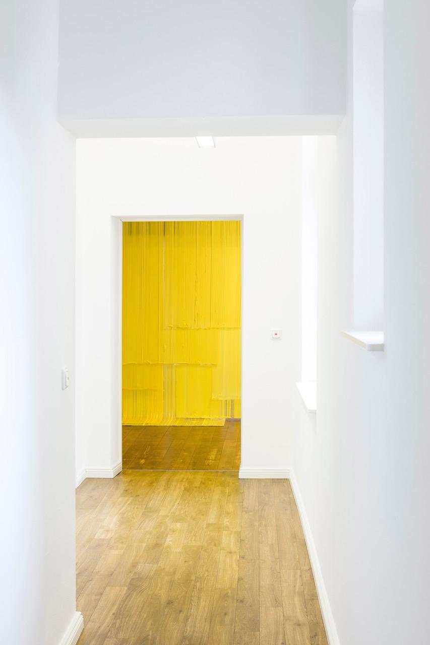 "Ruth Campau ""FIELDING (yellow),"" 2019. Photo: Lutz Grünke."