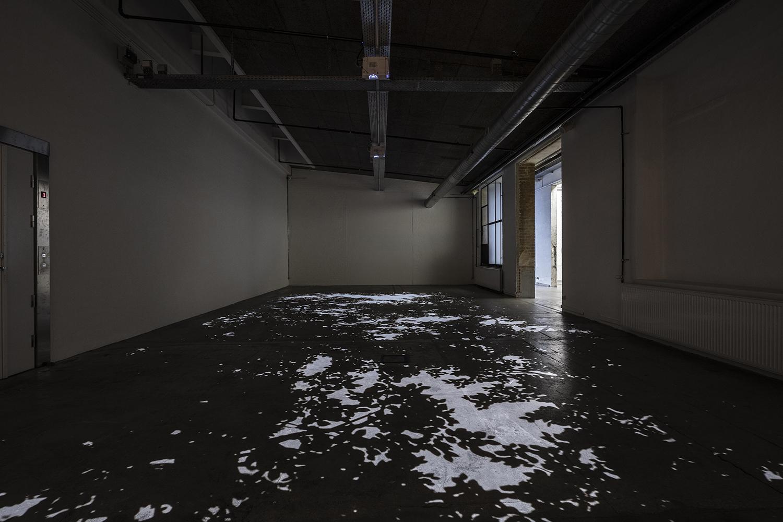 """Theis Wendt """"Invisible Presence nr 2,� 2019 (3 channel video installation, variabel størrelse). Foto: Niels Fabæk."""