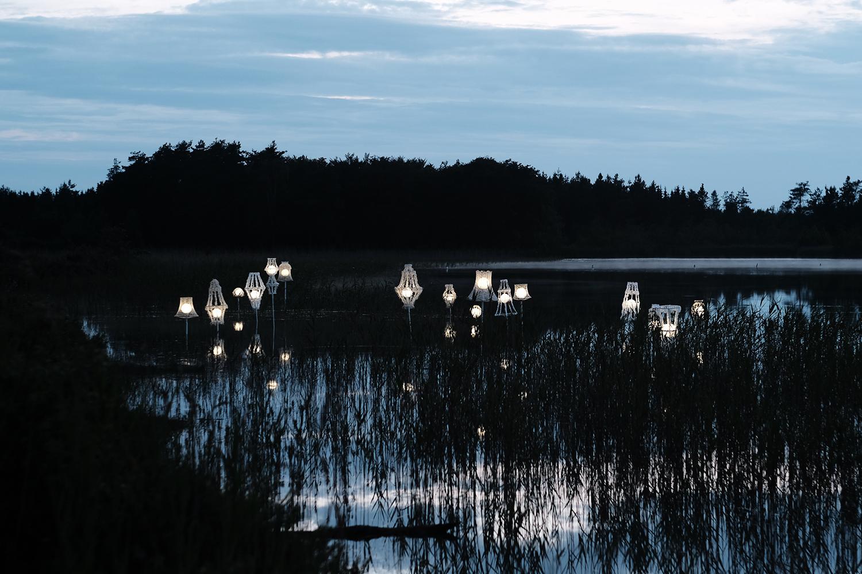 Kate Skjerning, Søen i skoven. Foto © Niels Linneberg.