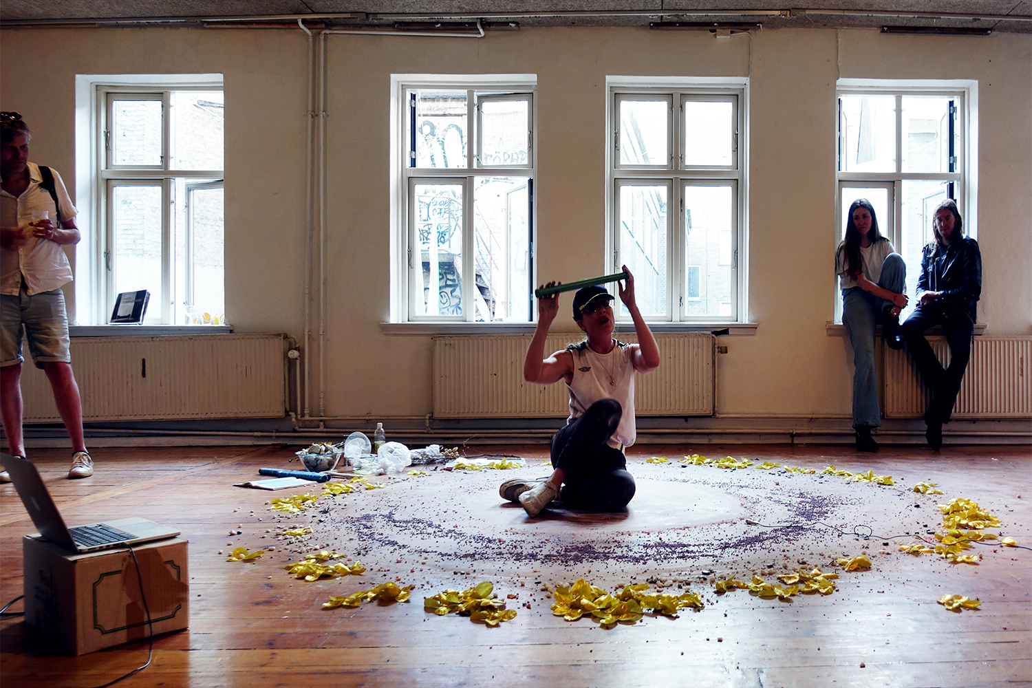 """Inga Gerner Nielsen """"What if Each of Them an Insect Song?� (performance, durational). Foto: Rikke Ehlers Nilsson."""