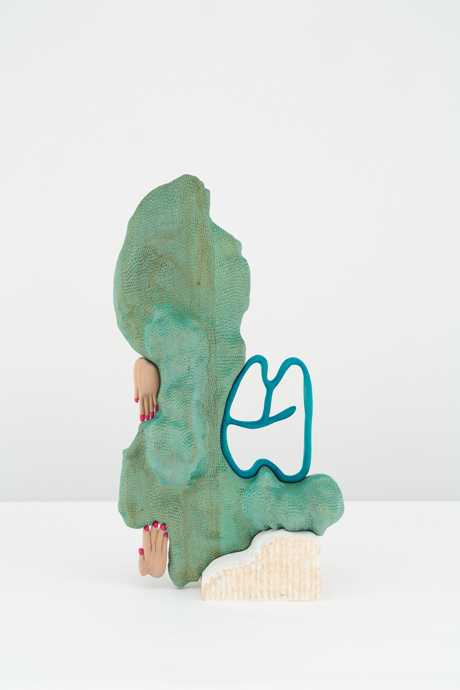 "Matthew Ronay ""Dust on the Harp,� 2019  (Basswood, dye, steel, shellac-based primer 101,6 x 53,3 x 30,5 cm)."