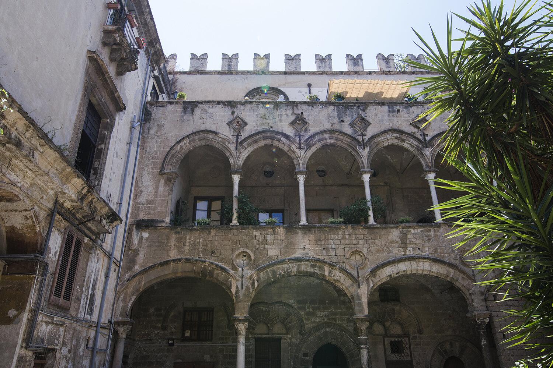 Palazzo Ajustamicristos baggård. Foto © I DO ART Agency.