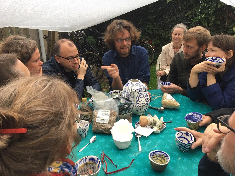 Artist talk og teselskab med Sophus Ejler Jepsen. Foto: M100.