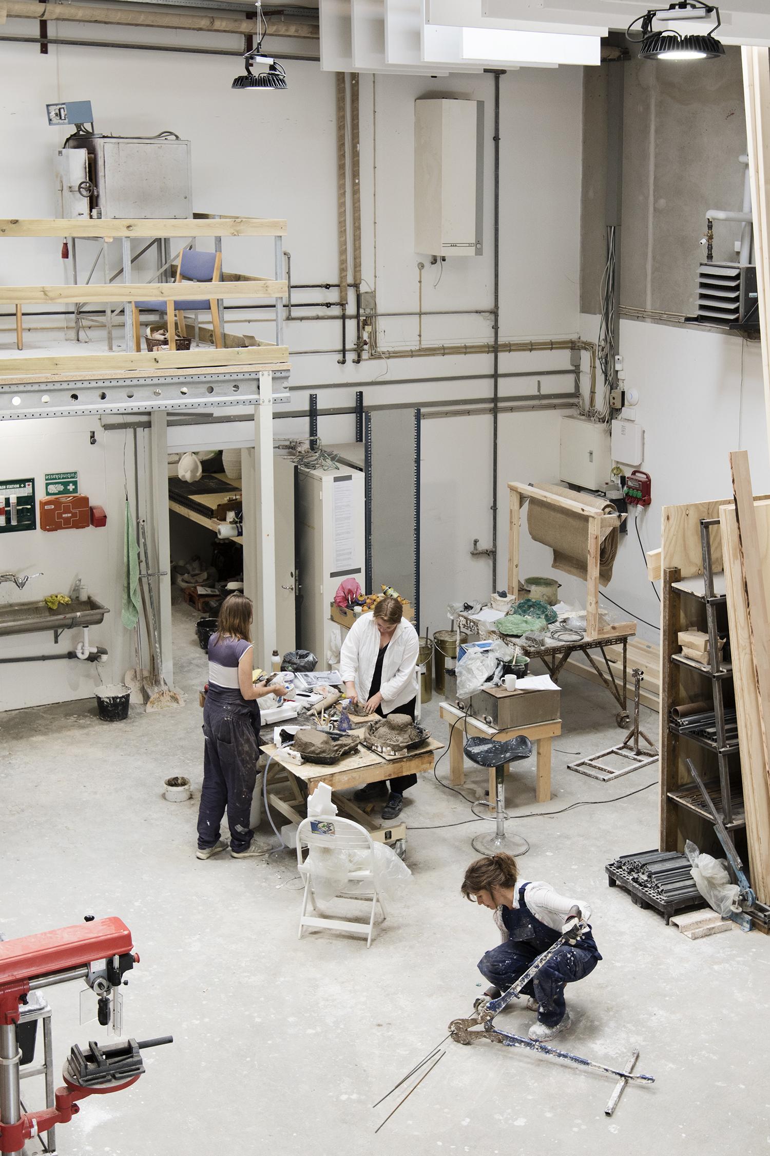 Kirke Hundevad Meng, Ida Retz Wessberg og Marie Bonfils. Foto © I DO ART Agency.