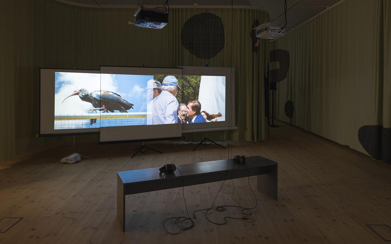 Maximilian Schmoetzer, Not Love Alone (2019). Installation view, Kunsthal Aarhus. Foto: Mikkel Kaldal.