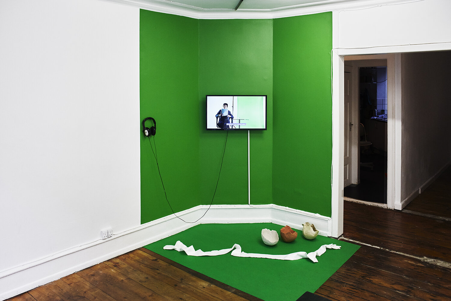 Rosa-Johan Uddoh, The Serve (2017-2019). Performed as part of New Contemporaries 2018-19 at South London Gallery, January 2019. Featuring Jo Pester as ball girl. Digital video, 12 min. Photo: SixtyEight Art Institute, 2019.