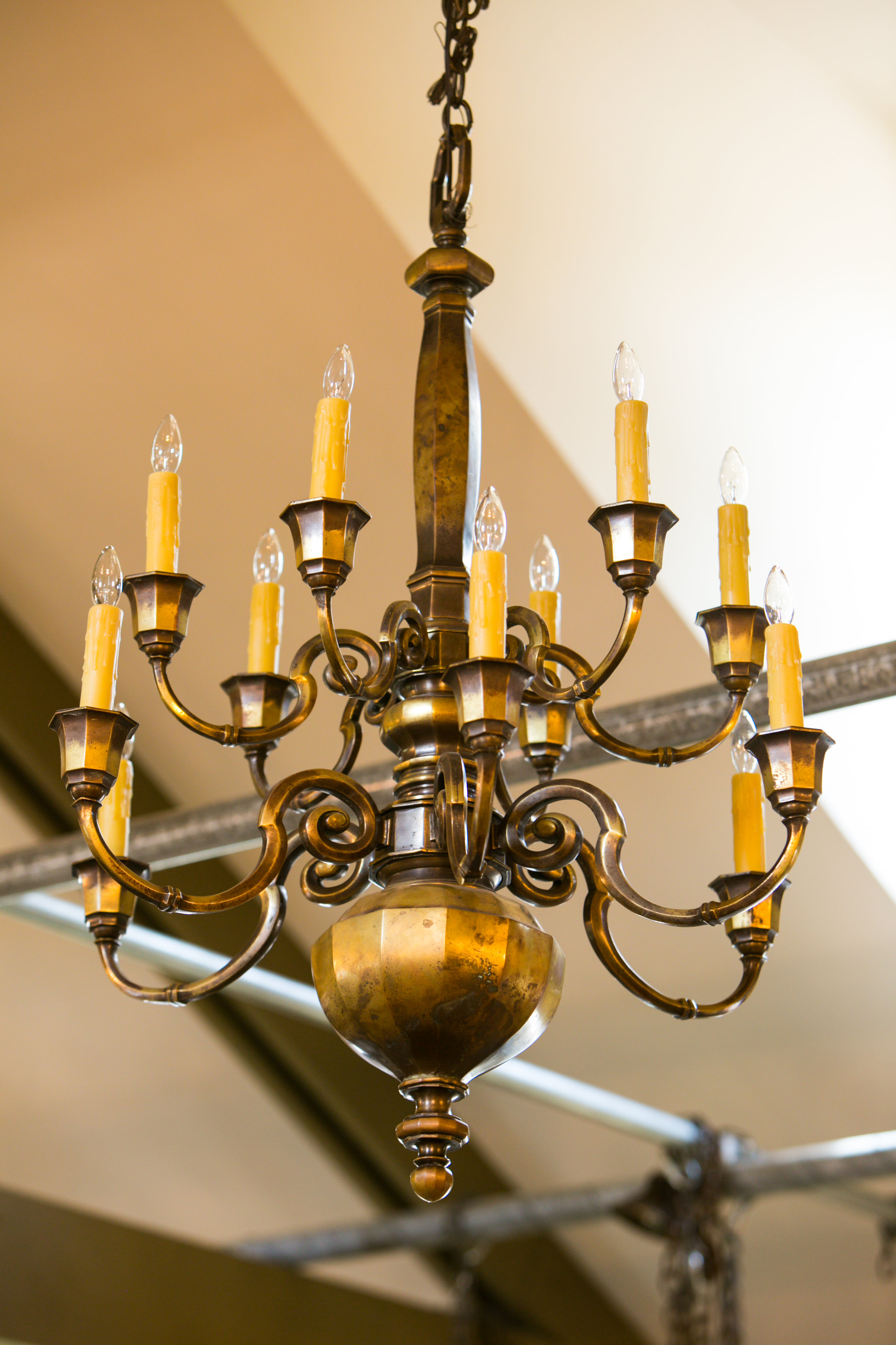 English Heavy Bronze Two-Tier Chandelier with 12 Arms, Circa 1900