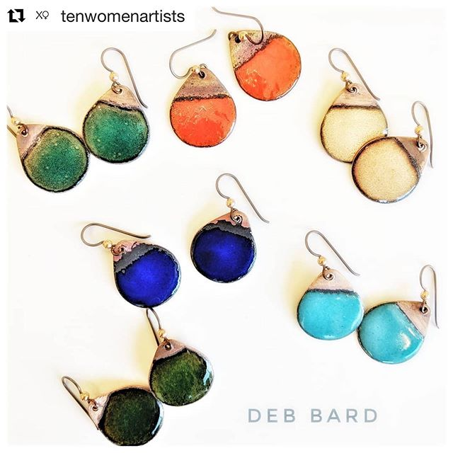 #Repost @tenwomenartists ・・・ To make these fantastic earrings Deb Bard Javerbaum plays with fire🔥🔥🔥, fusing multiple layers of powdered vitreous enamel (glass) onto copper. . . . . . #metalart #metalartist #handmade #jewelry #color #wearableart #shoplocalsm #discoversantamonica