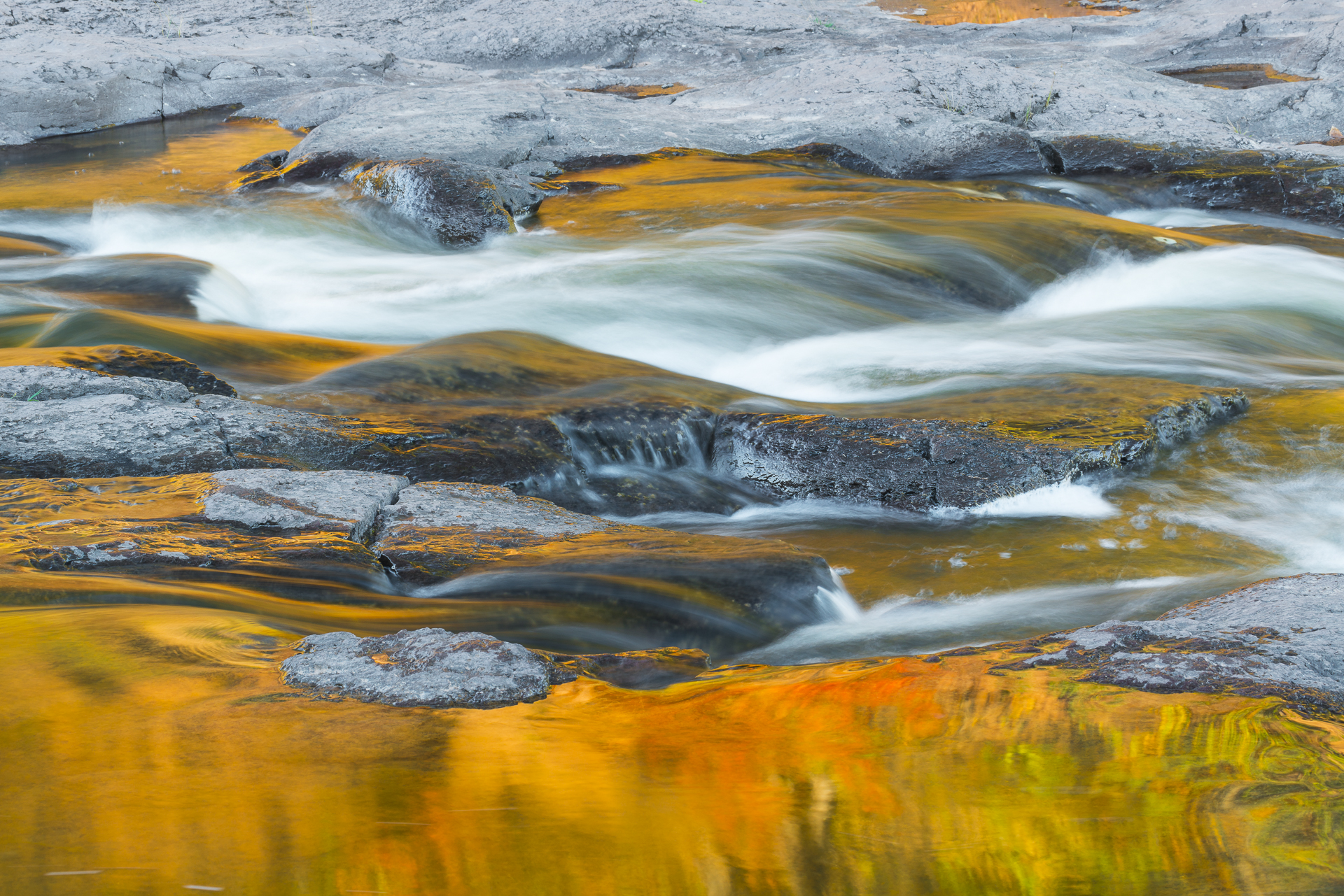 Autumn reflections in the Gooseberry River