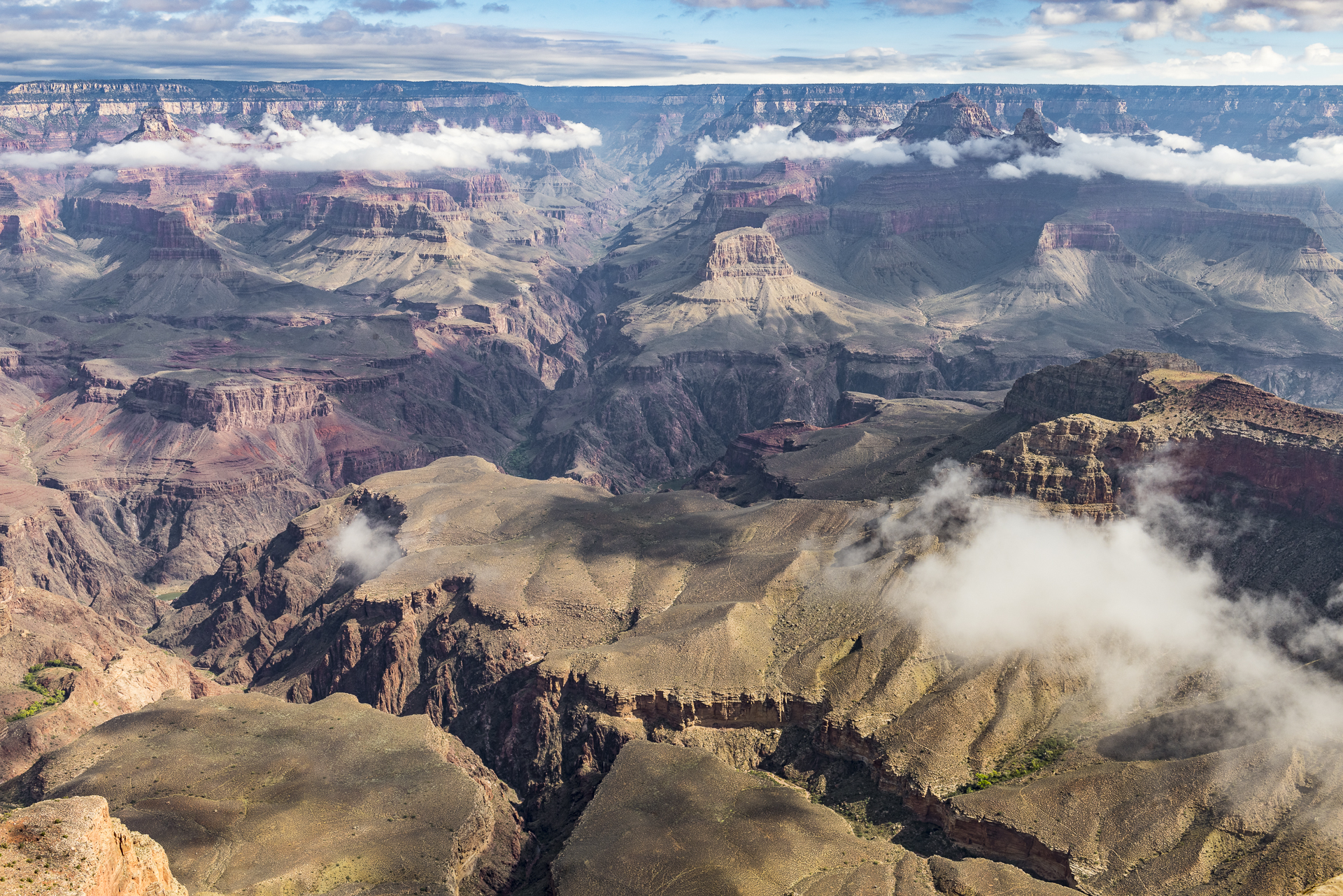 Grand Canyon NP, AZ: morning clouds from Yavapai Point