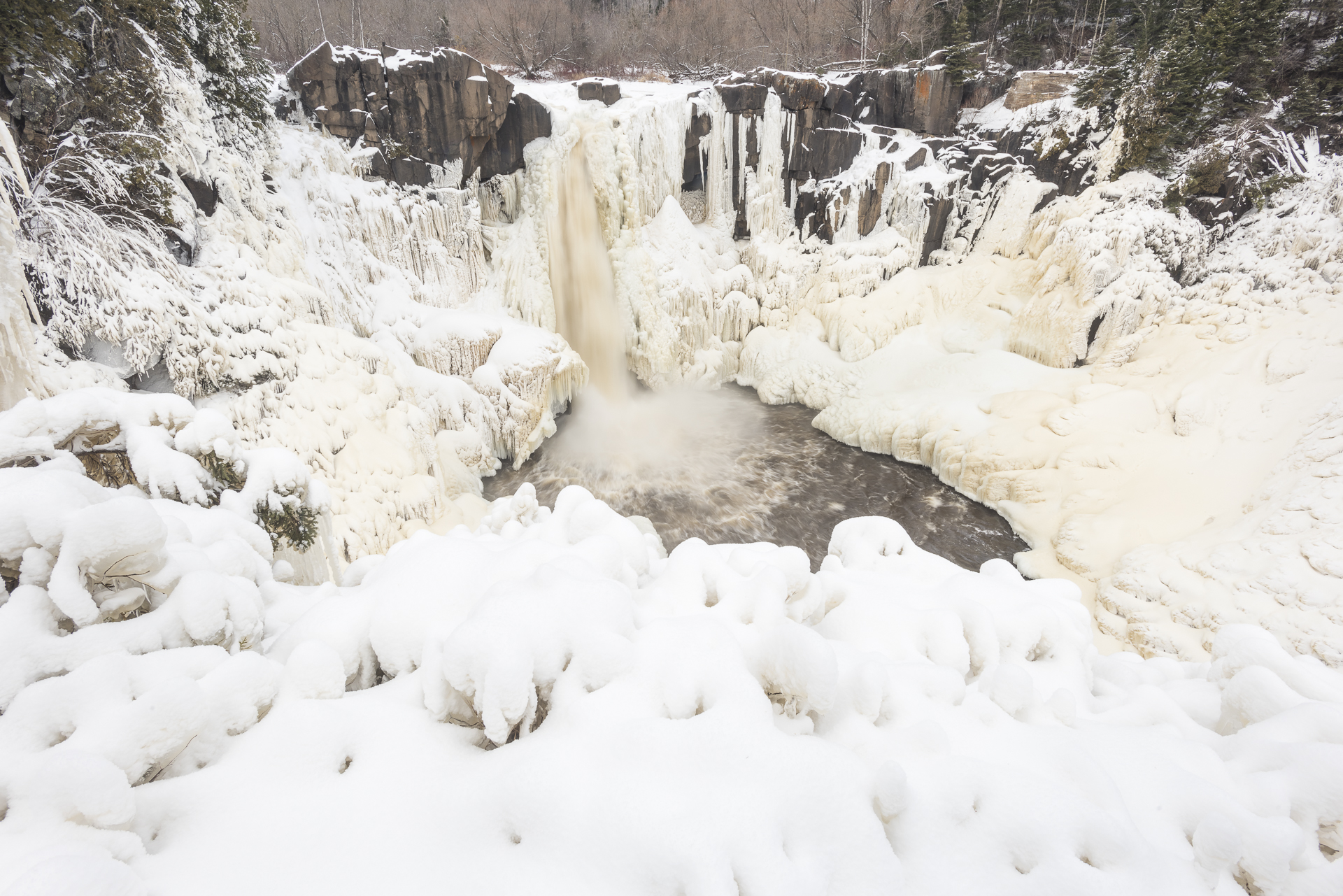 Winter wonderland: partially frozen Pigeon Falls.