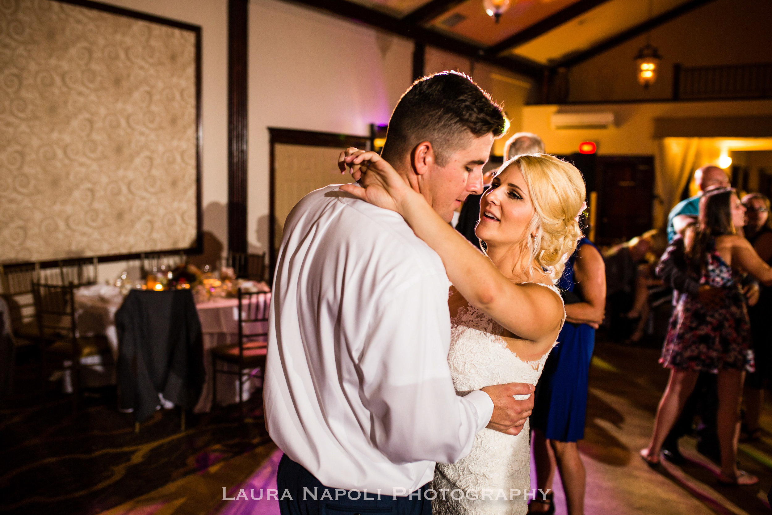Runningdeergolfclubwedding-40.jpg