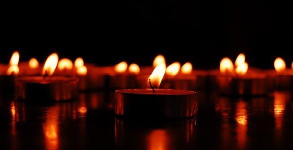 Festive Candlelit Hot Yoga