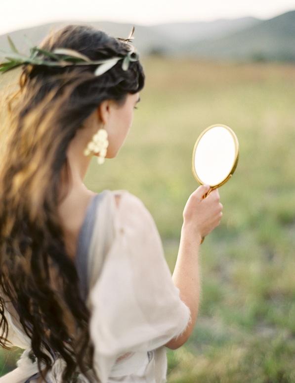 greek-goddess-greek-goddesses-grecian-wedding-inspiration-wedding-hairstyles-accessories.jpg