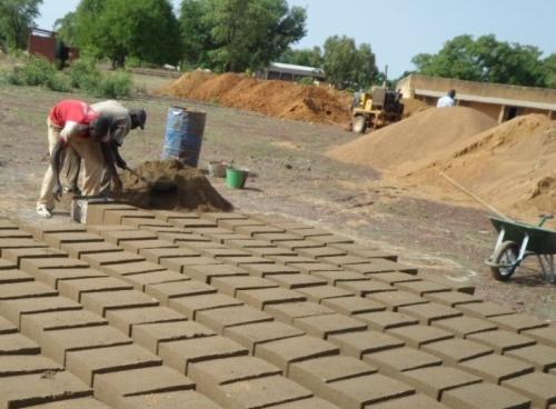 Entrepreneurs' Organization's Learn for Life Academy    Fadiobougou, 2016