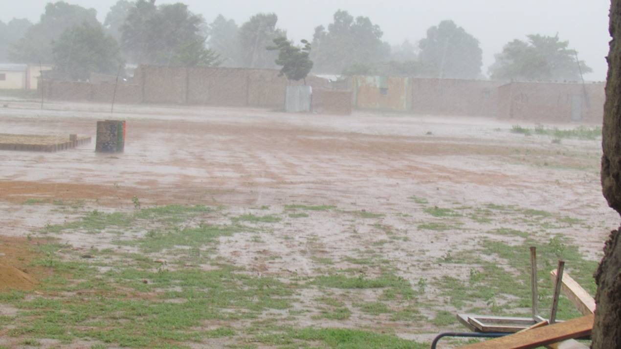 This is the rainy season in Mali, which complicates but doesn't stop construction!