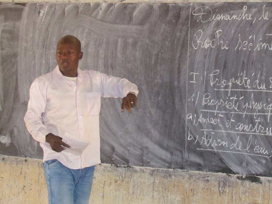 Adama Traore presents a natural sciences lesson on geology.