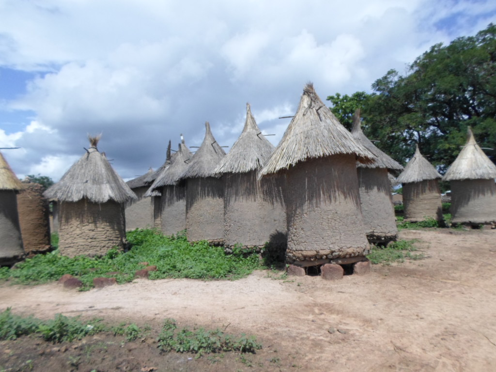 """Grain and peanut """"attics"""" keep crops safe and dry in Mali villages."""