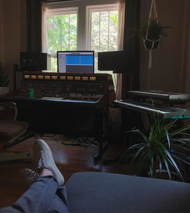 Tracking at @evansieling 's place. Maybe my favorite home studio in Nashville. ••• ••• #room #shoes #chair #plants #windows #walls #hardwoodfloors #music #singing #recordingstudio #nashville #photooftheday #iphone #songwriting #songs