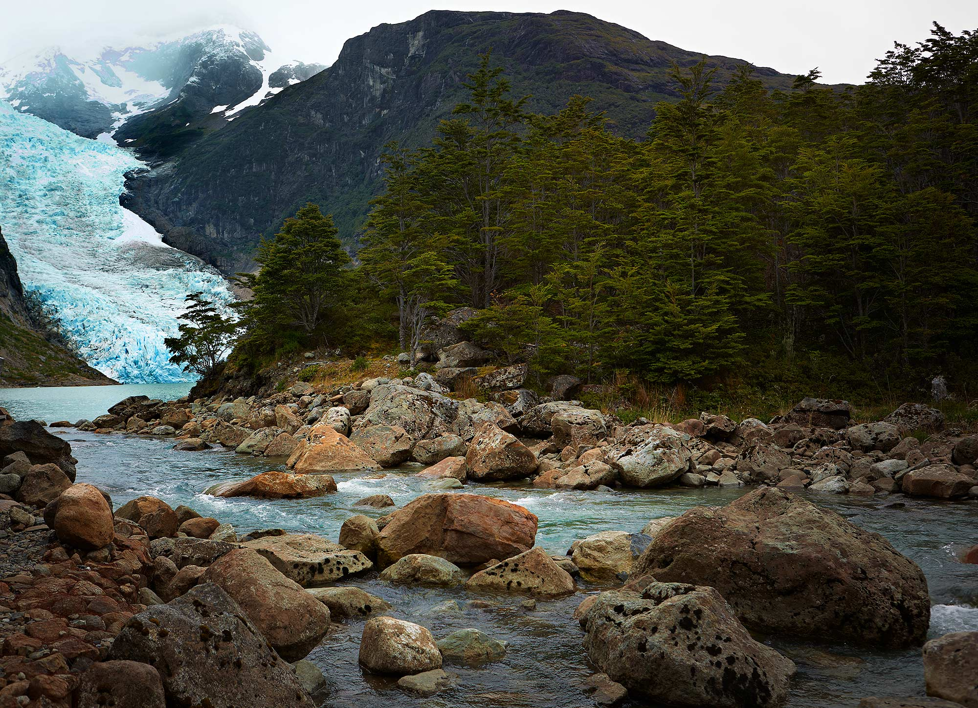 jeremy-frechette-Patagonia-Chile-glacier-02_987-HP.jpg