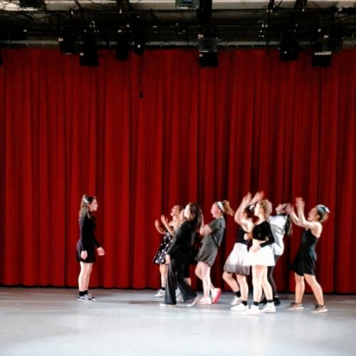 The Jam performing  Crowd by Kimi Okada