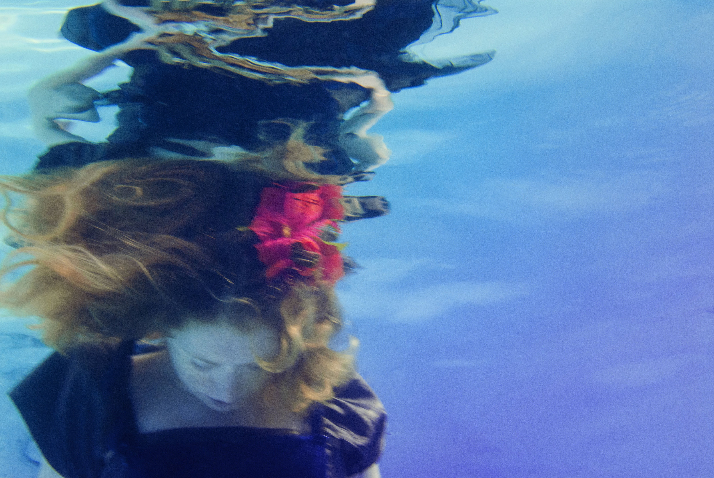 underwater photography enchanting dreaming creative