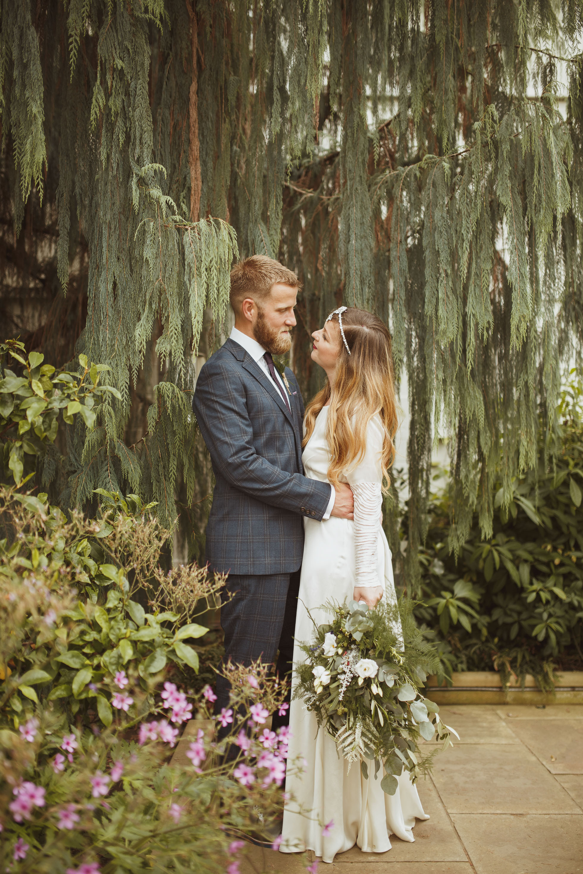 sheffield-botanical-gardens-wedding-photographer-113.jpg