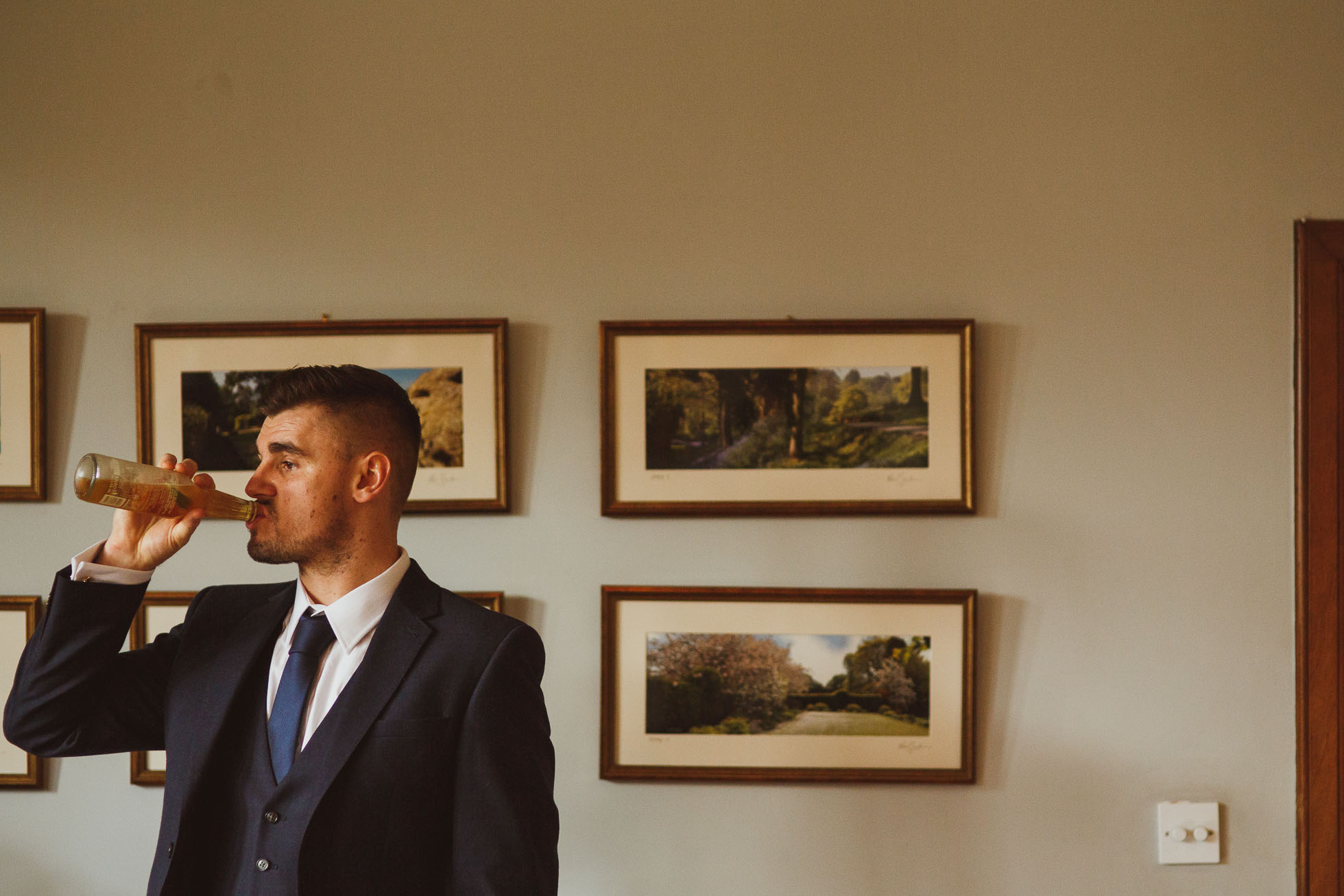 hilltop country house wedding photographer-18.jpg