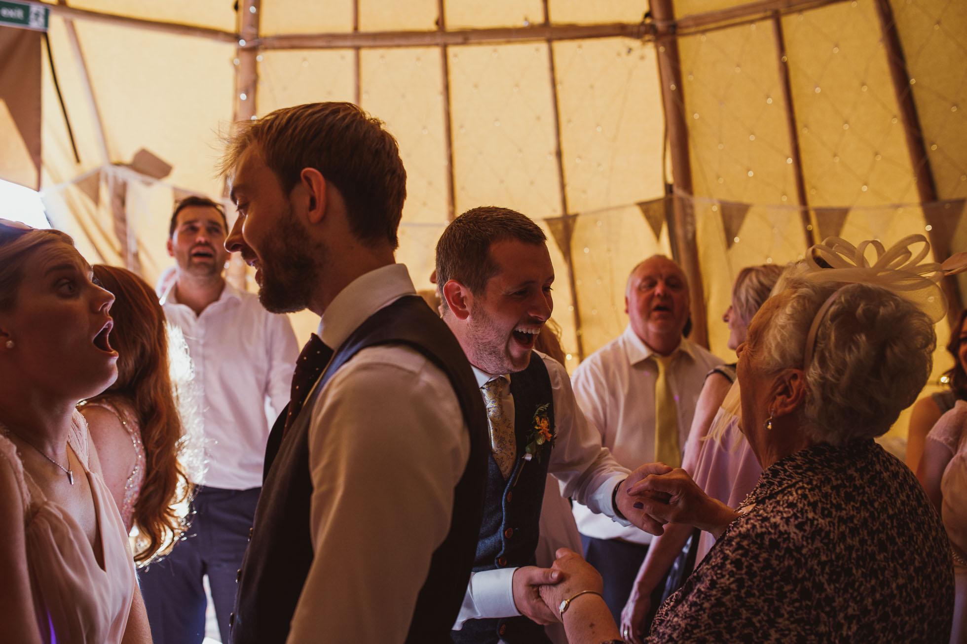 the_barn_scarborough_wedding_photographer-73.jpg