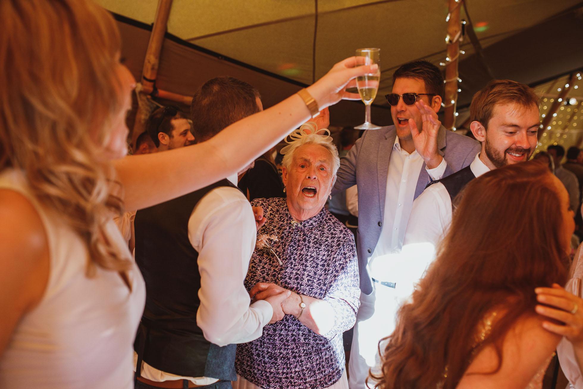 the_barn_scarborough_wedding_photographer-74.jpg