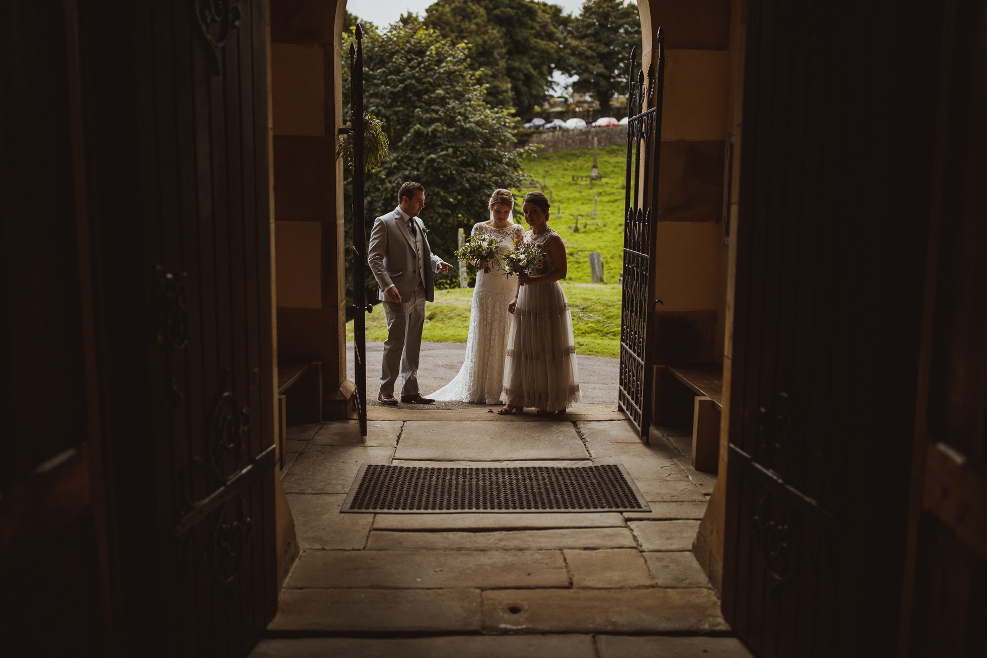blue_lion_yorkshire_wedding_photographer-41.jpg