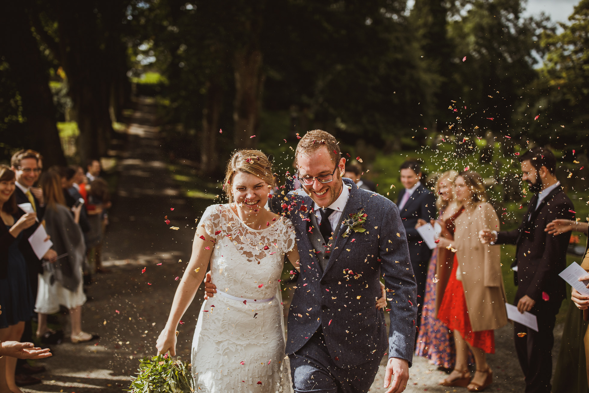 blue_lion_yorkshire_wedding_photographer-51.jpg