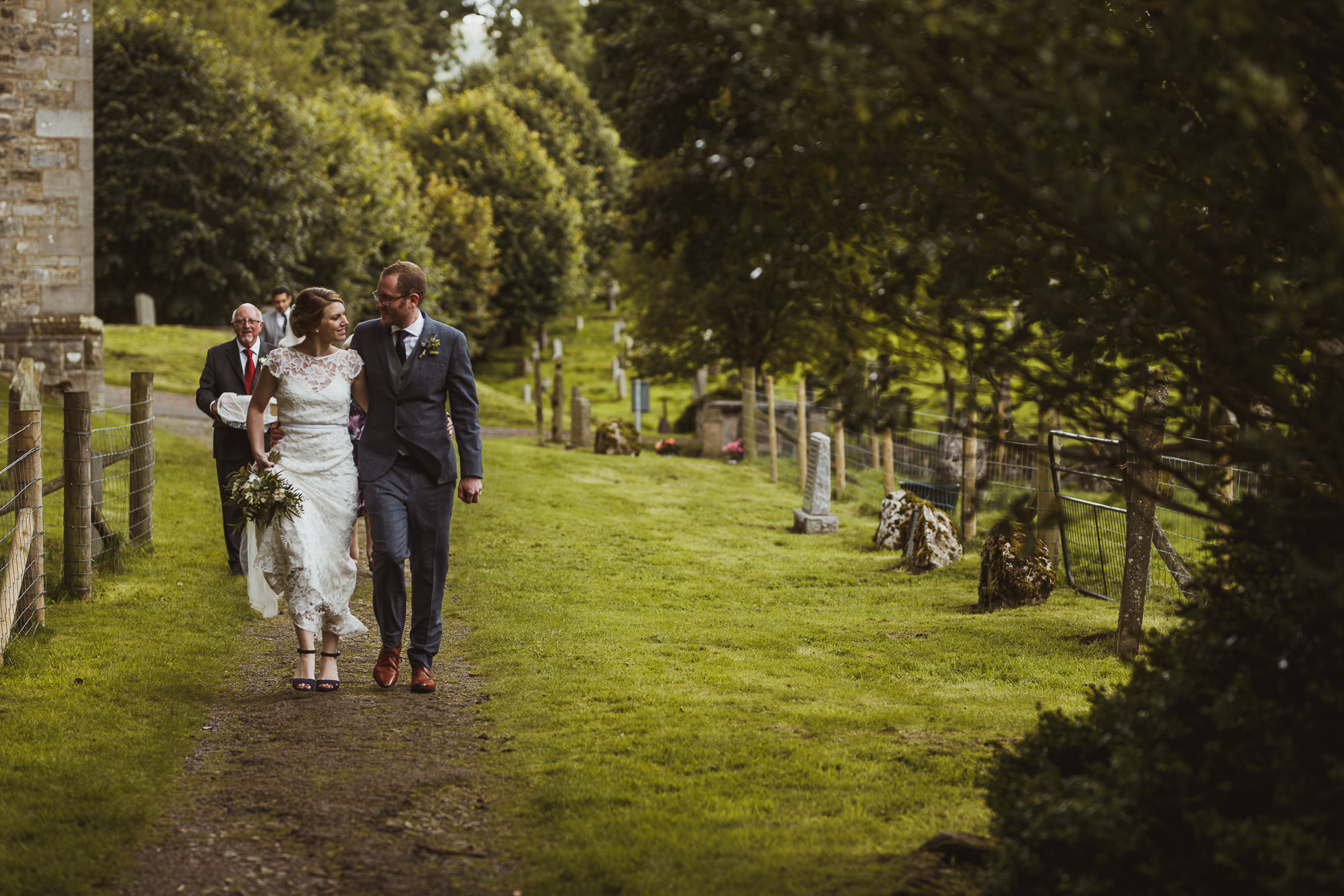 blue_lion_yorkshire_wedding_photographer-53.jpg