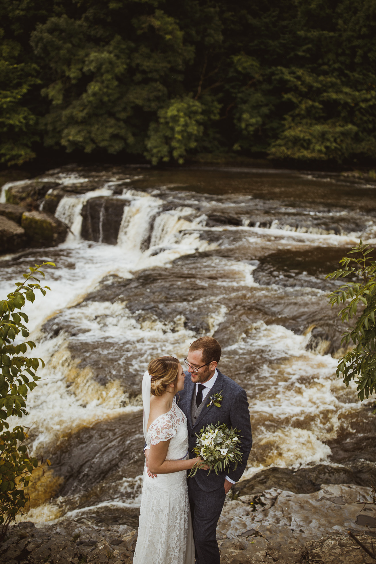 blue_lion_yorkshire_wedding_photographer-64.jpg