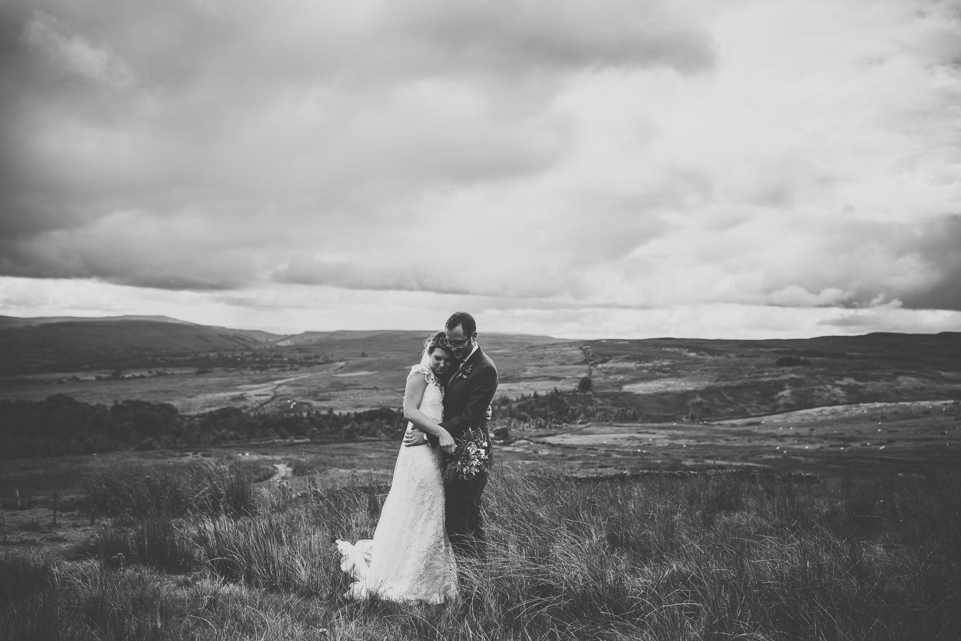 blue_lion_yorkshire_wedding_photographer-70.jpg