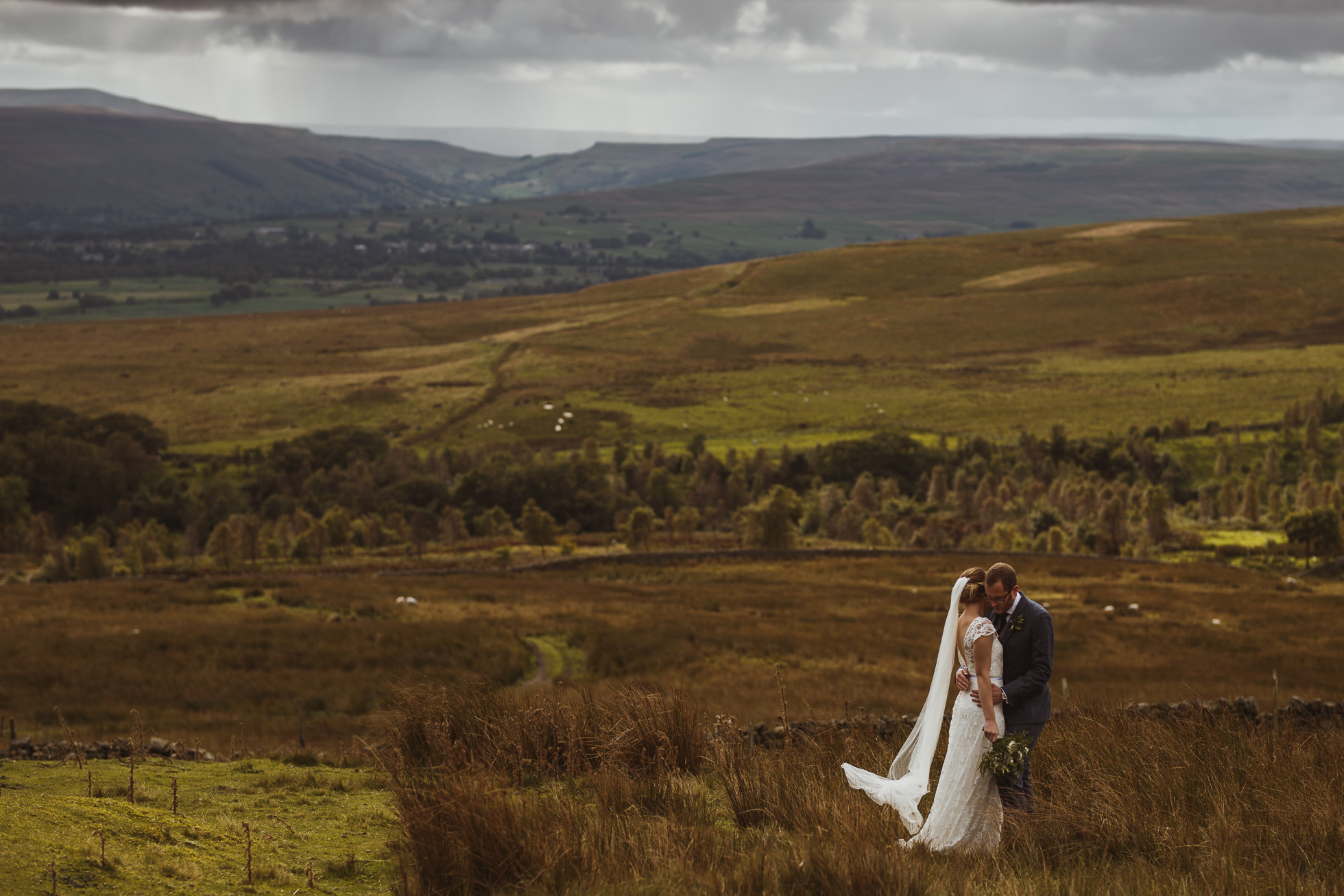 blue_lion_yorkshire_wedding_photographer-71.jpg