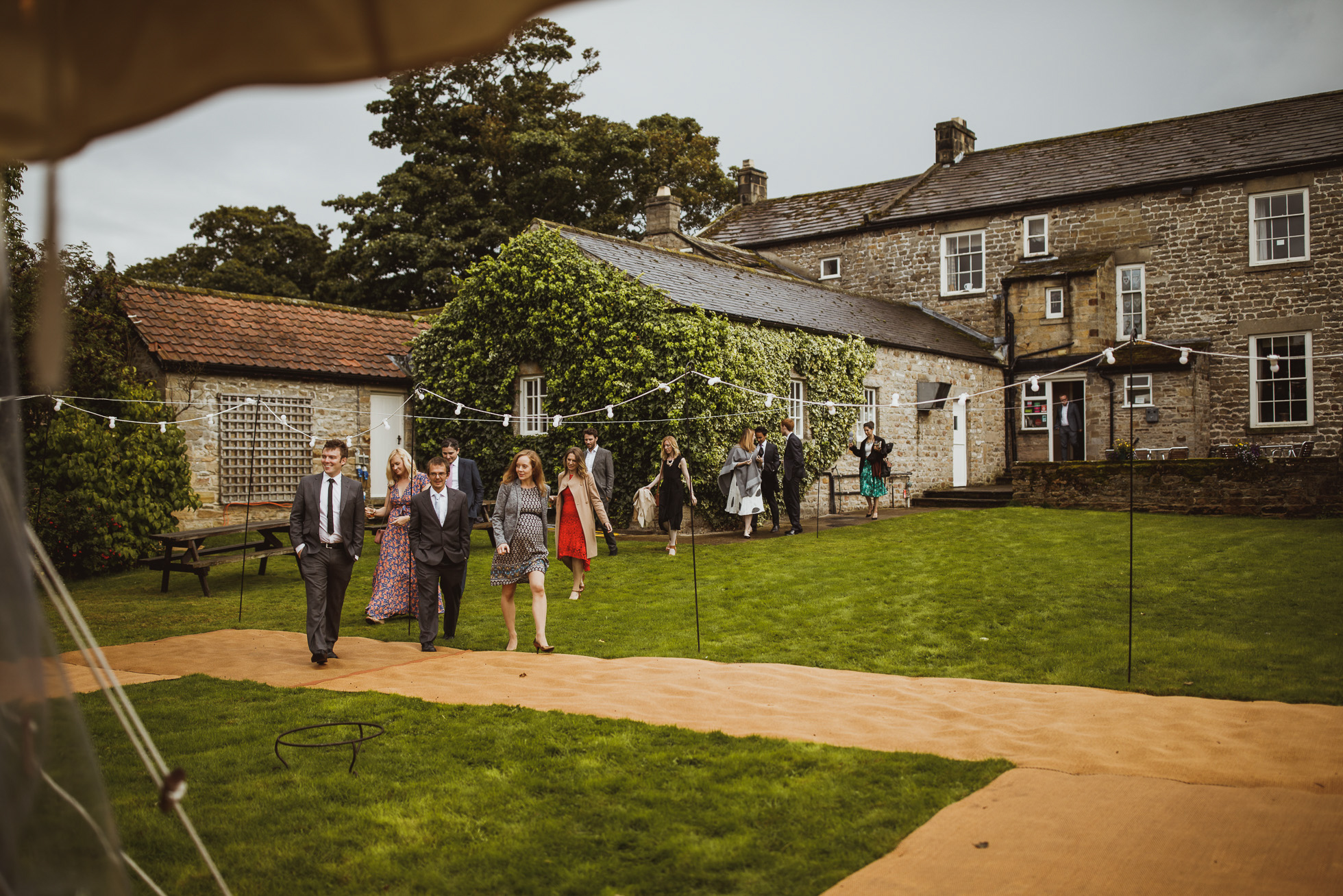 blue_lion_yorkshire_wedding_photographer-92.jpg