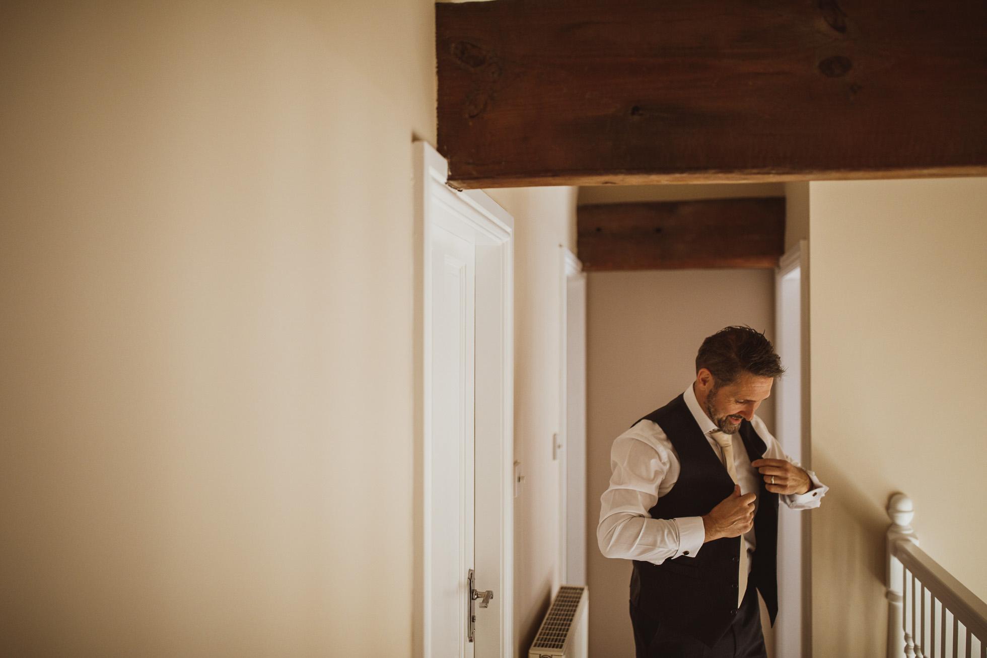 woodman_inn_thunderbridge_wedding_photographer-33.jpg