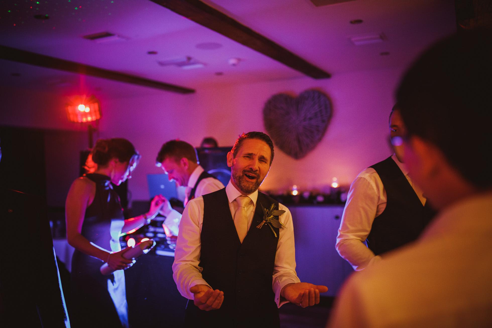 woodman_inn_thunderbridge_wedding_photographer-110.jpg