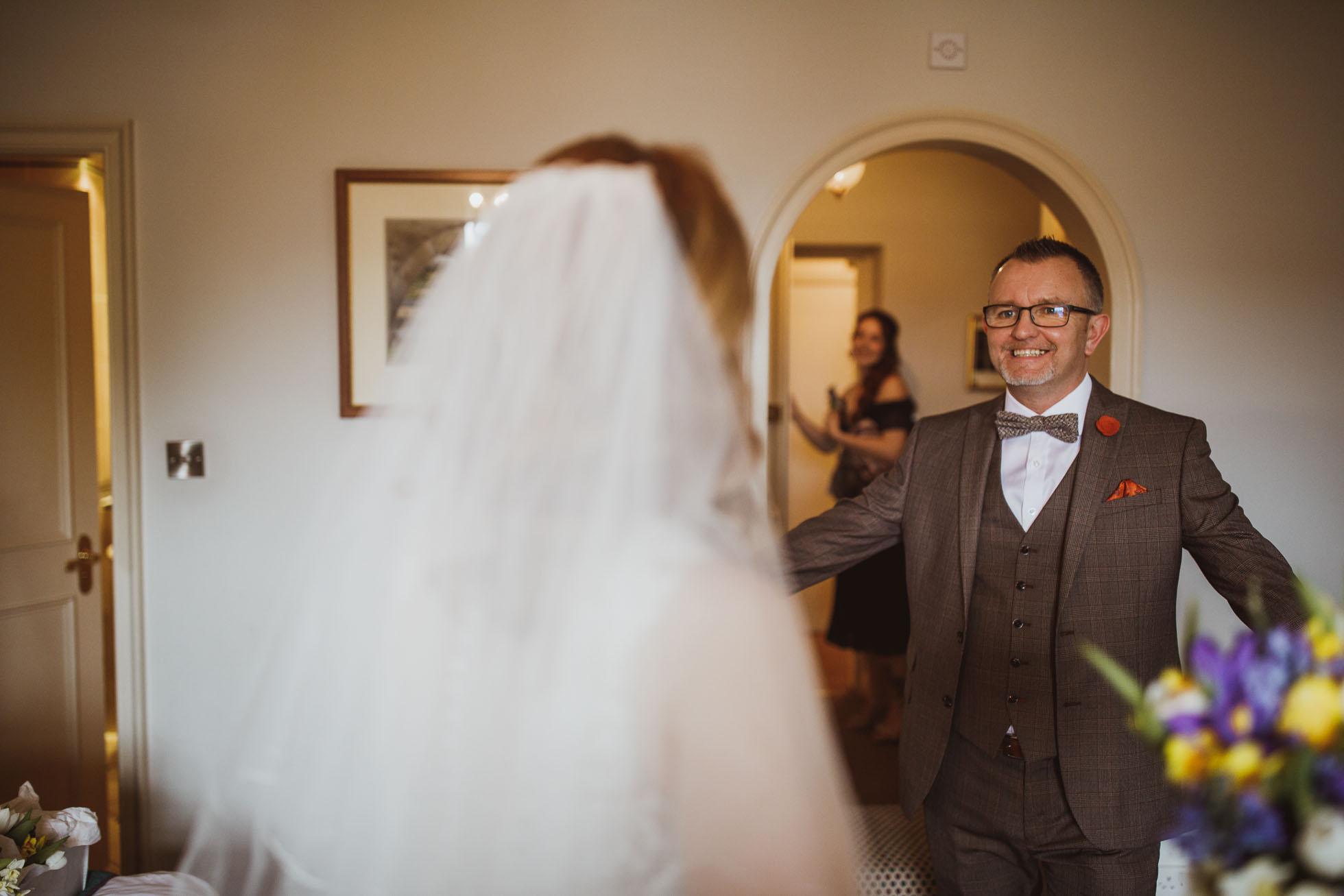 black_swan_helmsley_wedding_photographer-19.jpg