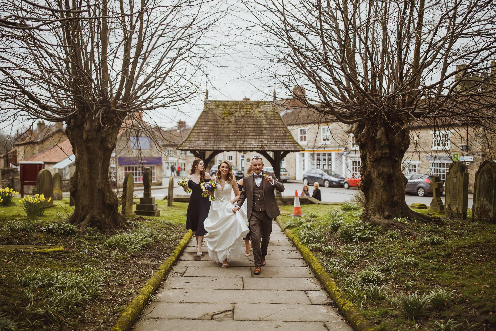 black_swan_helmsley_wedding_photographer-24.jpg