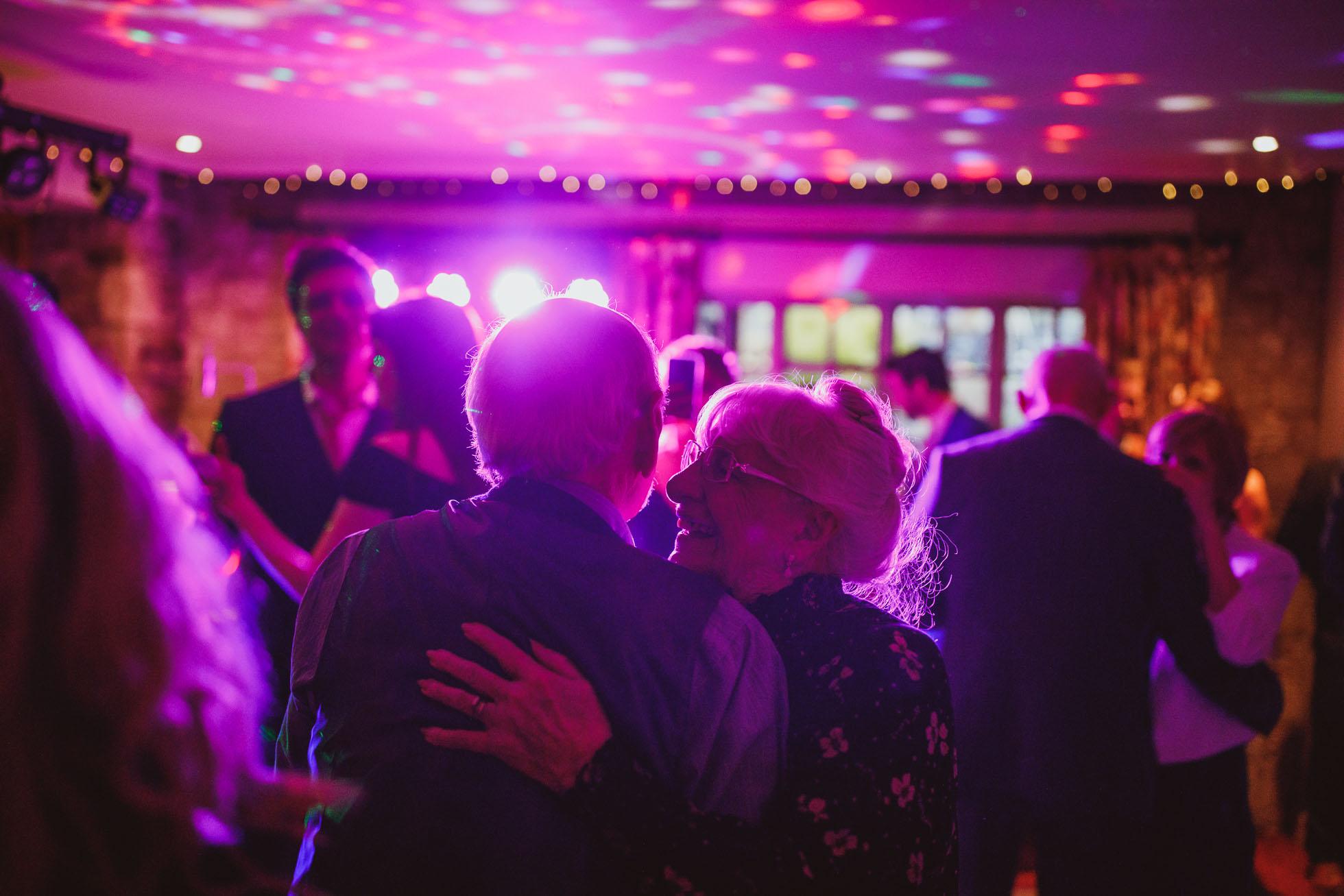black_swan_helmsley_wedding_photographer-120.jpg