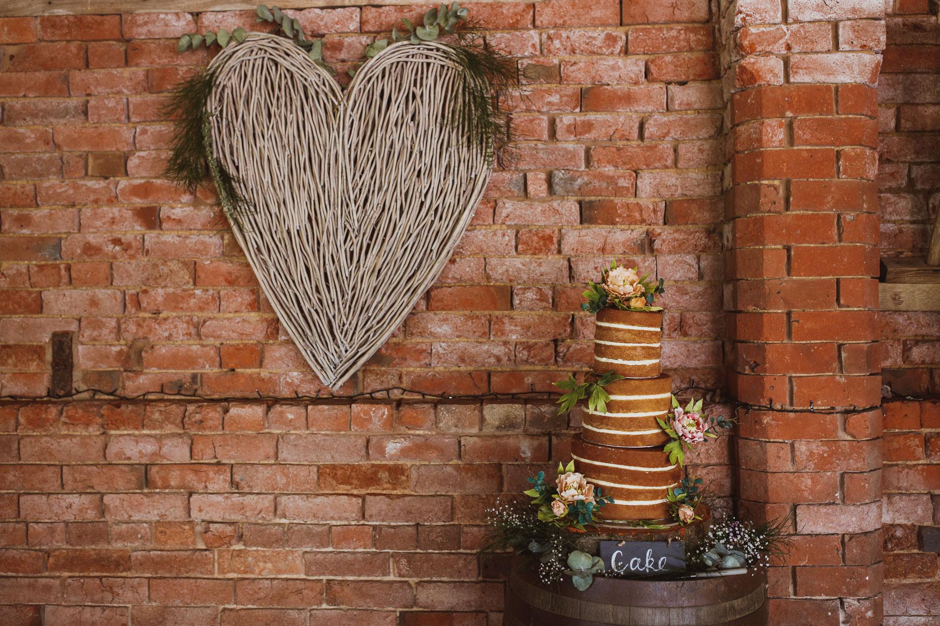 park_farm_daventry_wedding_photographer-94.jpg